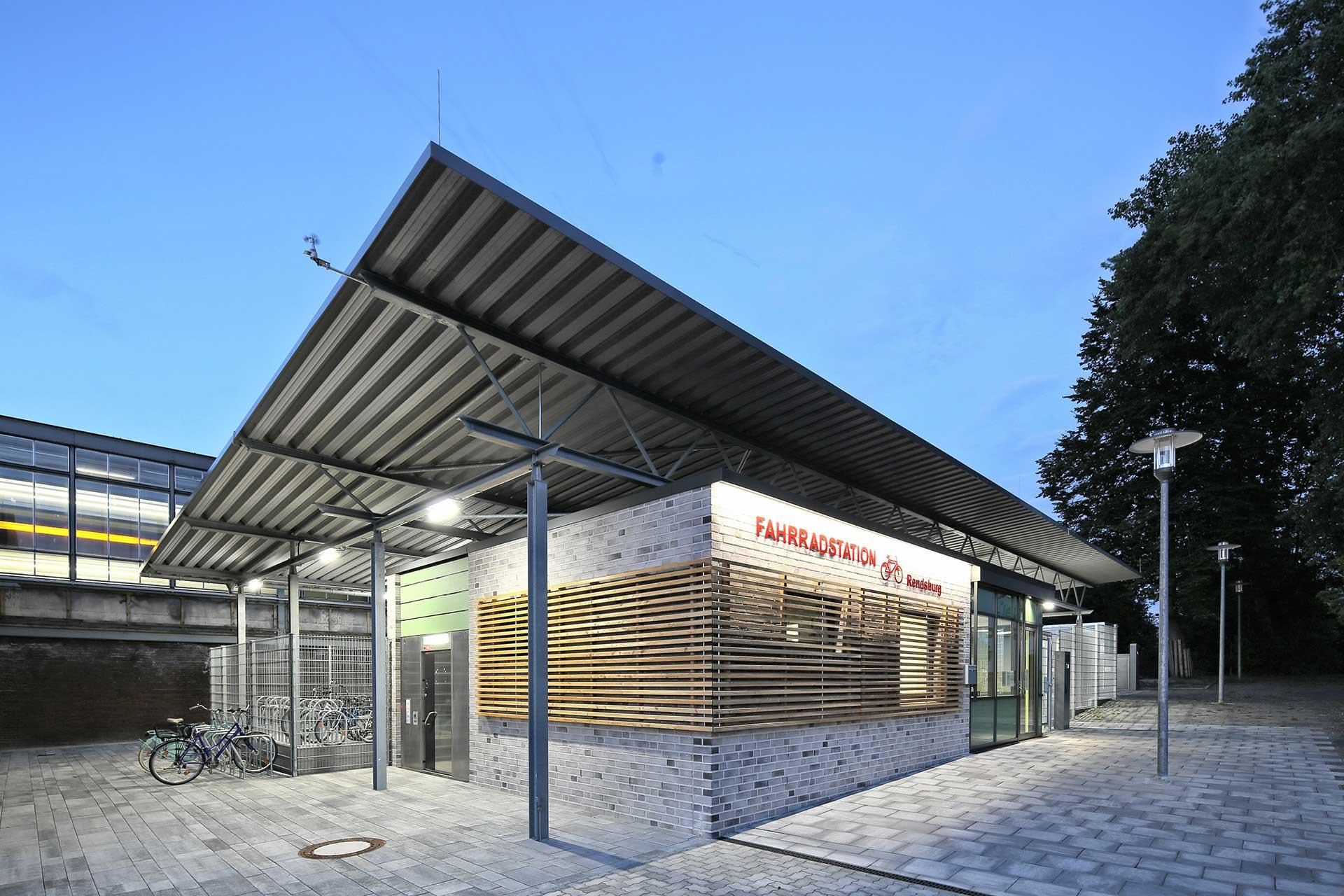 01-janiak-lippert_Fahrradstation-Rendsburg